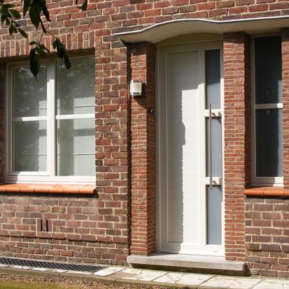 Een huis in cottagestijl? Kies de juiste ramen!